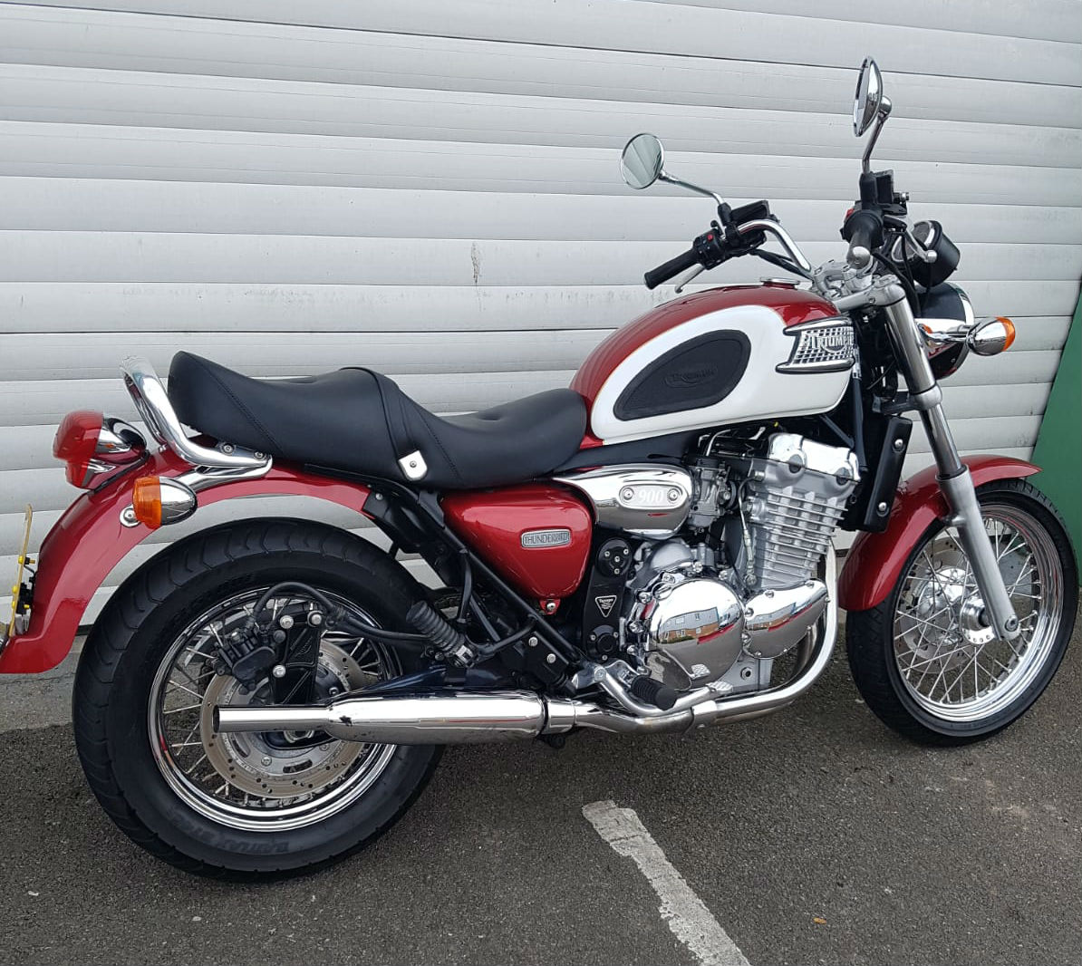 https://www.sjsmotorcycles.co.uk/wp-content/uploads/2019/11/salisbury-motorbike-dealer-7-2.jpg